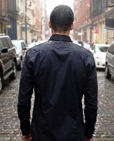可与Gore-Tex面料相媲美,超级防水棉衬衫
