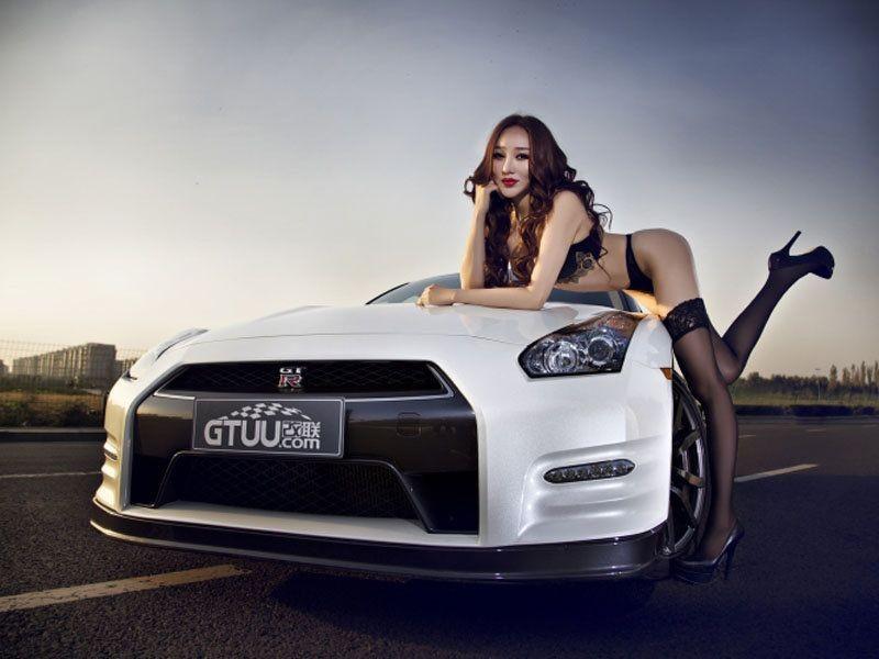 性感比基尼美女车模大尺度致命诱惑