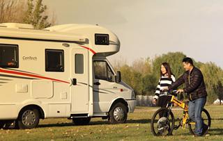 更實用的改款 2015款中天季風自行式房車