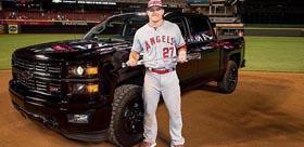 2015 MLB MVP获赠雪佛兰Silverado