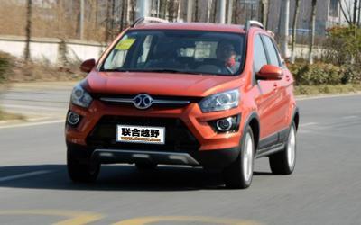 试驾体验绅宝X25 国产小型SUV的新选择