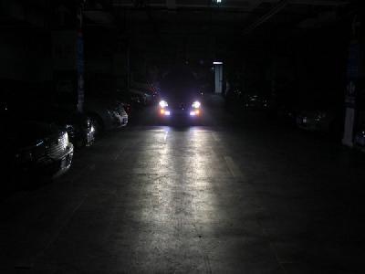 如何测车灯强度是否达标 找一堵墙可检测
