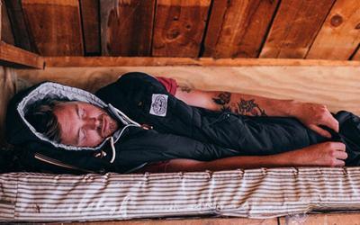 人形睡袋Napsack 穿着它入睡在寒冷的夜也不怕