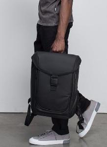 Zero-G减重防水背包 通过分布冲击减轻压力