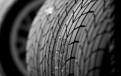 轮胎养护很重要 车主要学会自检纹路裂纹