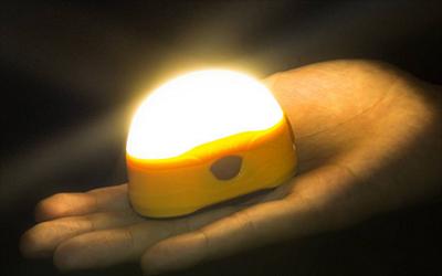 CL20R便携式、高性能可充电式露营灯