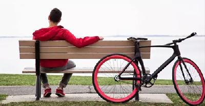 你OUT没 知不知道自行车只有这么骑才叫酷