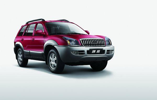 江淮瑞鹰只有一款柴油发动机车型,售价为13.48万元.
