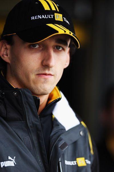 波兰车手罗伯特-库比卡 库比卡在赛季前的一次拉力赛中撞...