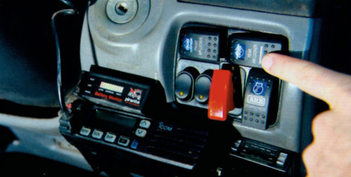 2000年LC105改装后的大跃进让你乐在其中