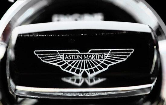 百年风雨的英国经典品牌 阿斯顿 马丁 suv联高清图片